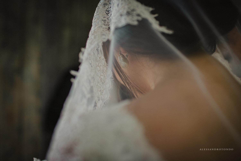 Dettaglio sposa Fotografia di matrimonio reale Alessandro Tondo Porto Empedocle Agrigento